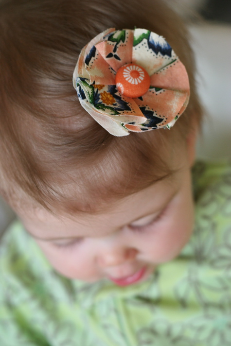 fabric flower for gifts and clothing: fabric flower hair clip tutorial